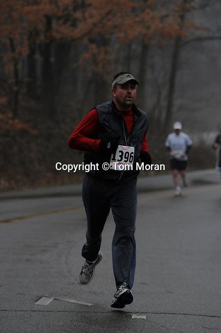 Snowman Shuffle 4 Mile Race.Louisville, KY 10 January 2008.Photo © Tom Moran.