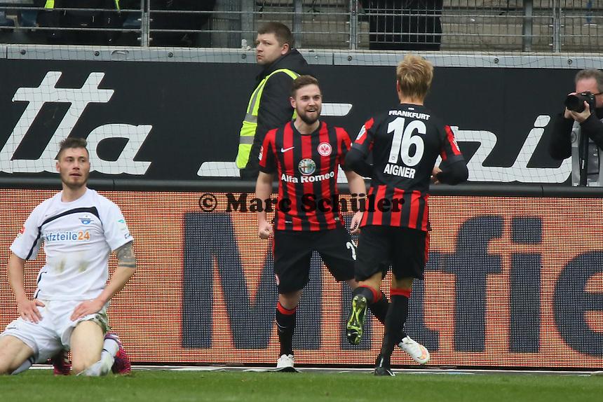 Marc Stendera (Eintracht) bejubelt sein Tor zum 2:0 - Eintracht Frankfurt vs. SC Paderborn 07, Commerzbank Arena