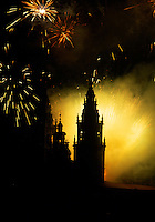 Feuerwerk bei Kathedrale in Santiago de Compostella, Galicien, Spanien, Unesco-Weltkulturerbe