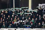 Stockholm 2014-03-05 Bandy SM-semifinal 3 Hammarby IF - V&auml;ster&aring;s SK :  <br /> Hammarby supportrar med halsdukar p&aring; l&auml;ktaren <br /> (Foto: Kenta J&ouml;nsson) Nyckelord:  VSK Bajen HIF supporter fans publik supporters