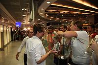 FRAPORT Mitarbeiterinnen muessen den vergeblich wartenden Fans erklaeren, dass ihr Team nicht kommt<br /> Fans warten am Frankfurter Flughafen auf die DFB-Elf *** Local Caption *** Foto ist honorarpflichtig! zzgl. gesetzl. MwSt. Auf Anfrage in hoeherer Qualitaet/Aufloesung. Belegexemplar an: Marc Schueler, Alte Weinstrasse 1, 61352 Bad Homburg, Tel. +49 (0) 151 11 65 49 88, www.gameday-mediaservices.de. Email: marc.schueler@gameday-mediaservices.de, Bankverbindung: Volksbank Bergstrasse, Kto.: 151297, BLZ: 50960101