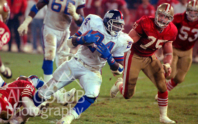 San Francisco 49ers vs New York Giants at Candlestick Park Monday, December 3, 1990..49ers beat Giants 7-3.Giants running back Ottis Anderson (24)..