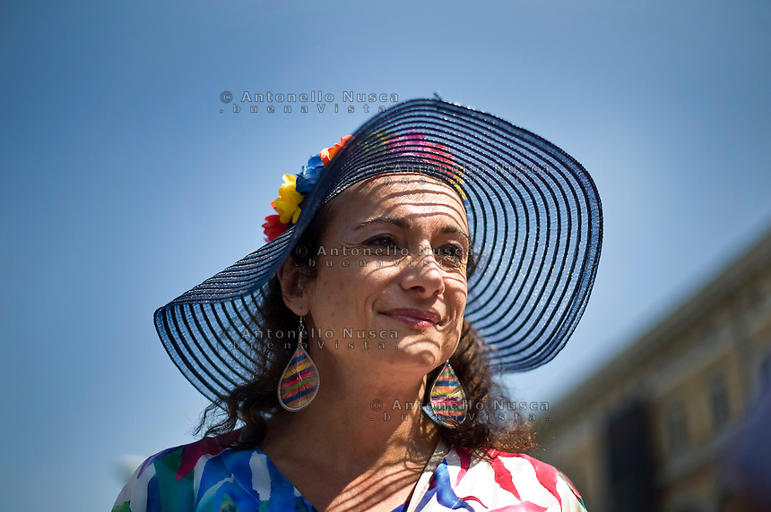 Vladimir Luxuria alla sfilata del Gay Pride. Vladimir Luxuria takes part in the annual gay pride parade in downtown Rome. Luxuria was a Communist Refoundation Party member of the Italian parliament, belonging to Romano Prodi's L'Unione coalition.