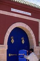 """Afrique/Maghreb/Maroc/Essaouira : Résidence """"Dar Mimosas"""" route d'Agadir, détail de l'entrée"""