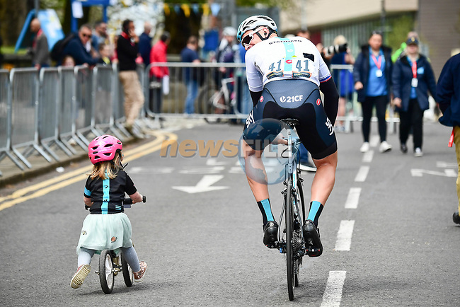 Ian Stannard (GBR) Team Sky has company as he arrives at sign on before the start of Stage 2 of the Tour de Yorkshire 2018 running 149km from Barnsley to Ilkley, England. 4th May 2018.<br /> Picture: ASO/Alex Broadway | Cyclefile<br /> <br /> <br /> All photos usage must carry mandatory copyright credit (© Cyclefile | ASO/Alex Broadway)