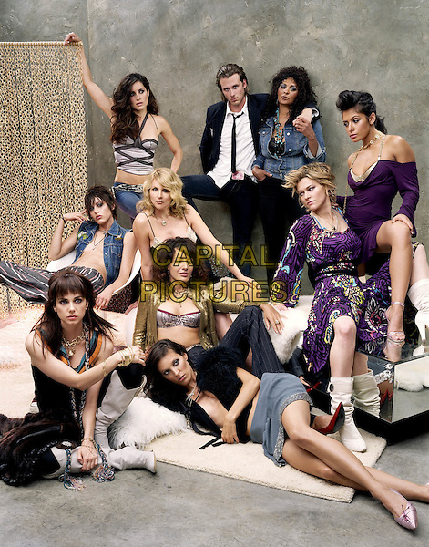 MIA KIRSHNER, KATHERINE MOENNIG, RACHEL SHELLEY, ERIC LIVELY, PAM GRIER, SARAH SHAHI, LEISHA HAILEY, ERIN DANIELS, JENNIFER BEALS & LAUREL HOLLOMAN.in The L Word - Season 2.*Editorial Use Only*.www.capitalpictures.com.sales@capitalpictures.com.Supplied by Capital Pictures.