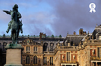 Versailles Palace's courtyard with King Louis 14th statue, Versailles, France (Licence this image exclusively with Getty: http://www.gettyimages.com/detail/82406709 )