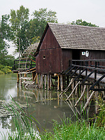 Wassermühle von 1893 an der kleinen Donau bei Tomasikovo, Trnavsky kraj, Slowakei, Europa<br /> watermill built  1893 near Tomasikovo, Trnavsky kraj, Slovakiai, Europe