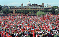 Una veduta del Circo Massimo gremito in occasione della manifestazione nazionale della CGIL contro l'abolizione dell'Articolo 18 dello Statuto dei Lavoratori, a Roma, 23 marzo 2002.<br /> People gather at the Circus Maximus on the occasion of the national demonstration of the Italian union CGIL against the abolition of the Article 18 of the 1970s Workers Statute, which protects employees from unfair dismissal, in Rome, 23 March 2002.<br /> UPDATE IMAGES PRESS/Riccardo De Luca