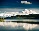 USA, Alaska, view of the Mount McKinley and the Denali Range with Mirror Lake, Denali National Park