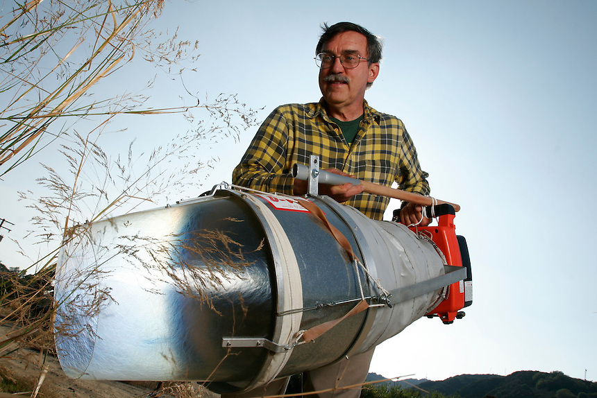 Ron Whitehurst poses with a D-Vac insect Vacuum in Ventura, Calif., on Monday, Oct. 16, 2006. (Photo by Bryce Yukio Adolphson/Brooks Institute of Photography &copy;2006)<br />