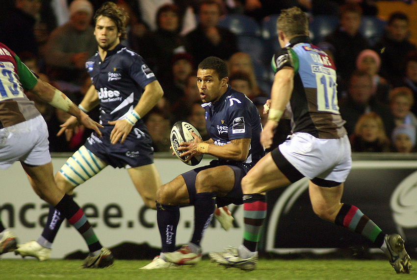 Photo: Paul Thomas..Sale Sharks v NEC Harlequins. Guinness Premiership. 24/11/2006...Jason Robinson of Sale.