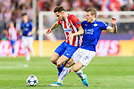 Saul Niguez Esclapez (l) of Atletico de Madrid fights for the ball with Jamie Vardy of Leicester City during their 2016-17 UEFA Champions League Quarter-Finals 1st leg match between Atletico de Madrid and Leicester City at the Estadio Vicente Calderon on 12 April 2017 in Madrid, Spain. Photo by Diego Gonzalez Souto / Power Sport Images