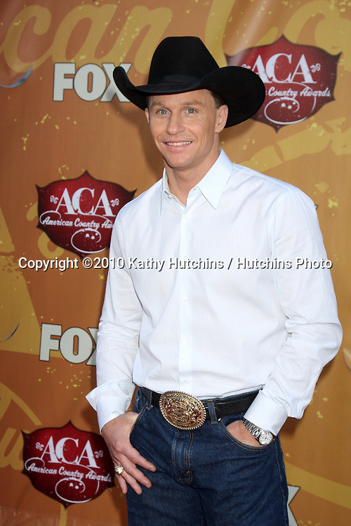 LOS ANGELES - DEC 6:  Ty Murray arrives at the 2010 American Country Awards at MGM Grand Garden Arena on December 6, 2010 in Las Vegas, NV.