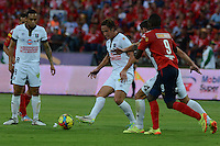 MEDELLÍN -COLOMBIA-03-08-2014. Yorleys Mena (Der) jugador de Independiente Medellín disputa el balón con  Leandro Diaz (C)  jugador del Once Caldas de la fecha 3 de la Liga Postobón II 2014 realizado en el estadio Atanasio Girardot de la ciudad de Medellín./ John Hernandez (R) player of Independiente Medellin fights the ball with Leandro Diaz (C) player of Once Caldas during 3th date of Postobon  League II 2014 at Atanasio Girardot stadium in Medellin city. Photo: VizzorImage/Luis Ríos/STR