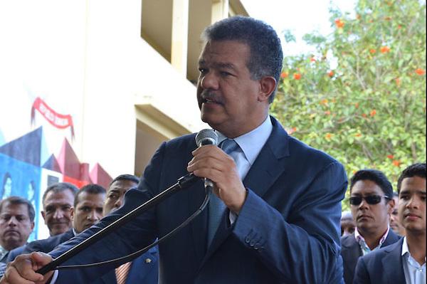 Votación del Presidente Leonel Fernández en la Escuela República Dominicana en el Sector de Villa Juana..Foto:Carmen Suárez/acento.com.do.Fecha:20/05/2012.