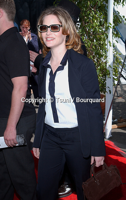Jennifer Jason Leigh arriving at the 2002 IFP/West Independent Spirit Awards on the Beach in Santa Monica, Los angeles. March 23, 2002.           -            LeighJenniferJason422.jpg