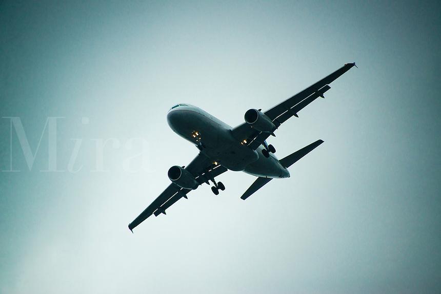 Jet airplane in flight.