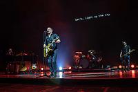 SÃO PAULO, SP. 18.10.2019 - SHOW-SP - O cantor canadense Bryan Adams durante seu show no Allianz Parque, em São Paulo, nesta sexta-feira, 18. (Foto: Bruna Grassi/Brazil Photo Press)