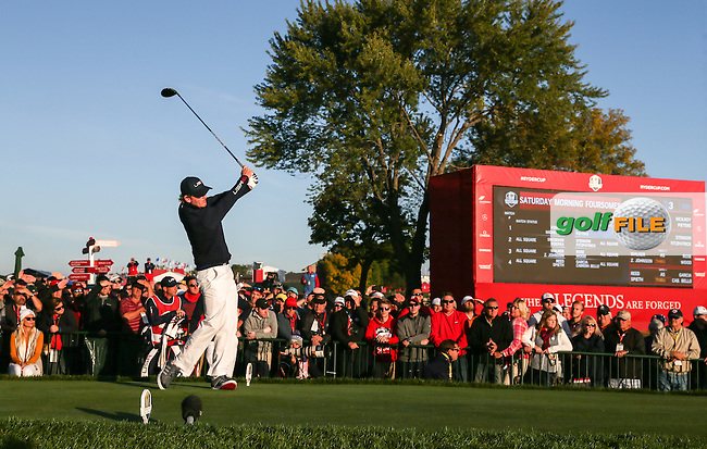 Brandt Snedeker (Team USA) drives down the second during the Saturday Morning Foursomes, at the 41st Ryder Cup 2016, at Hazeltine National Golf Club, Minnesota, USA.  01View of the 10th2016. Picture: David Lloyd | Golffile.
