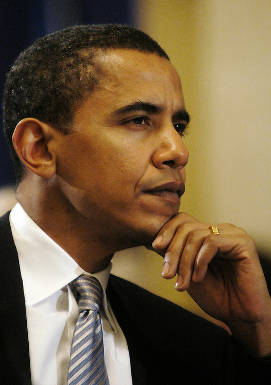 Sen. Barack Obama, D-Il., testifies at Senate Rules full committee hearing on lobbying reform..