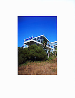Point Loma house with ocean view in Sunset Cliff area. Remodel and addition designed by Michele Grace Hottel, Architect, in 2007. Steel moment frame,low-e glazing system with sliding glass doors.