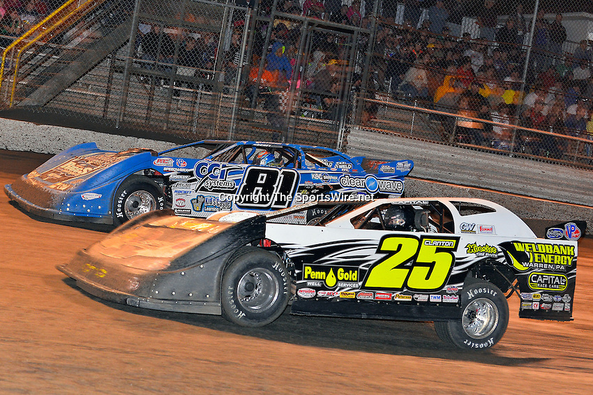 Feb 20, 2014; 9:24:24 PM;  Barberville, FL, USA;  World of Outlaws Late Model Series for 43rd Annual DIRTcar Nationals presented by Summit Racing Equipment at Volusia Speedway Park.  Mandatory Credit: (thesportswire.net)