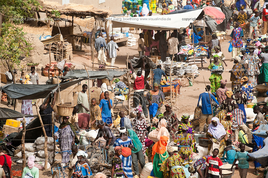"Afrika Westafrika Mali Djenne , Markt - Handel xagndaz | .Africa Mali Djenne , market day - trade .| [ copyright (c) Joerg Boethling / agenda , Veroeffentlichung nur gegen Honorar und Belegexemplar an / publication only with royalties and copy to:  agenda PG   Rothestr. 66   Germany D-22765 Hamburg   ph. ++49 40 391 907 14   e-mail: boethling@agenda-fototext.de   www.agenda-fototext.de   Bank: Hamburger Sparkasse  BLZ 200 505 50  Kto. 1281 120 178   IBAN: DE96 2005 0550 1281 1201 78   BIC: ""HASPDEHH"" ,  WEITERE MOTIVE ZU DIESEM THEMA SIND VORHANDEN!! MORE PICTURES ON THIS SUBJECT AVAILABLE!! ] [#0,26,121#]"