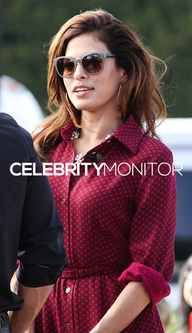 UNIVERSAL CITY, CA - SEPTEMBER 25: Eva Mendes visits 'Extra' at Universal Studios Hollywood on September 25, 2013 in Universal City, California. (Photo by Xavier Collin/Celebrity Monitor)