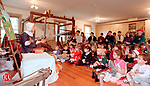 SOUTHBURY, CT 12/13/98 --1213JH11.tif--Storyteller Joyce Marie Rayno of Southbury entertains the kids attending the Teddy Bear Tea at the Old Town Hall Museum in South Britain Sunday. The event was sponsored by the Southbury Historical Society. JOHN HARVEY staff photo for Motz story.