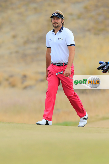 Victor DUBUISSON (FRA) on the 17th green during Thursday's Round 1 of the 2015 U.S. Open 115th National Championship held at Chambers Bay, Seattle, Washington, USA. 6/18/2015.<br /> Picture: Golffile | Eoin Clarke<br /> <br /> <br /> <br /> <br /> All photo usage must carry mandatory copyright credit (&copy; Golffile | Eoin Clarke)