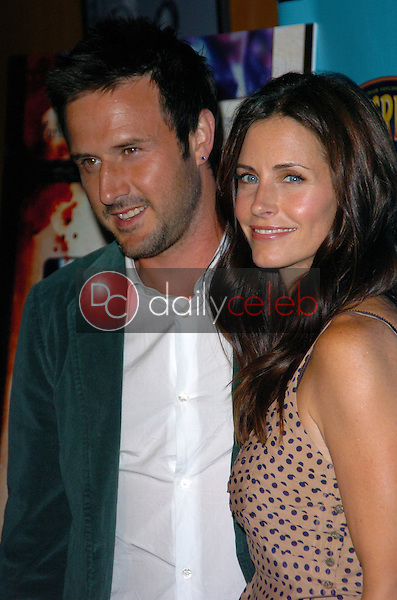 """Courteney Cox and David Arquette<br /> at the Los Angeles Screening of """"November"""", DGA Theatre, Los Angeles, CA 06-22-05<br /> Chris Wolf/DailyCeleb.com 818-249-4998"""