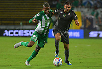 MEDELLÍN - COLOMBIA ,5-11-2018:Jeison Lucumí (Izq.) jugador del Atlético Nacional disputa el balón con Juan Mahecha (Der.) jugador de Equidad .Acción de juego entre los equipos  Atlético Nacional y Equidad  durante partido por la fecha 18 de la Liga Águila II 2018 jugado en el estadio Atanasio Girardot de la ciudad de Medellín. /Jeison Lucumi (L) player of Atletico Nacional fights the ball agaisnt o Juan Mahecha (R) player of Equidad.Action game betweenAtletico Nacional and Equidad during the match for the date 18 of the Liga Aguila II 2018 played at the Atanasio Girardot  Stadium in Medellin  city. Photo: VizzorImage /León Monsalve / Contribuidor.