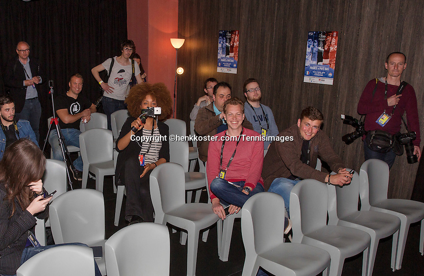 Arena Loire,  Trélazé,  France, 13 April, 2016, Semifinal FedCup, France-Netherlands, Press-conference Dutch team, Journalists awaiting<br /> Photo: Henk Koster/Tennisimages