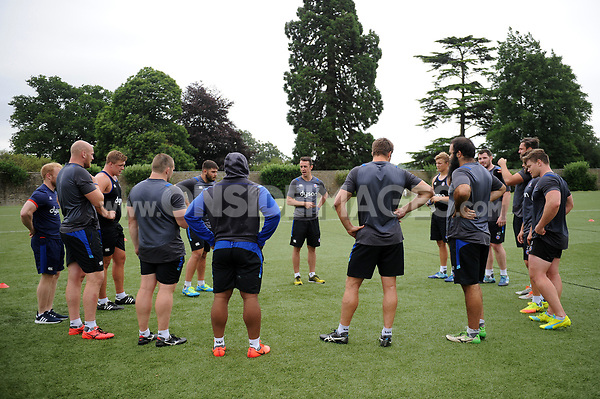 The Bath Rugby forwards huddle together. Bath Rugby pre-season S&C session on June 22, 2017 at Farleigh House in Bath, England. Photo by: Patrick Khachfe / Onside Images