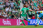 01.09.2019, wohninvest WESERSTADION, Bremen, GER, 1.FBL, Werder Bremen vs FC Augsburg<br /> <br /> DFL REGULATIONS PROHIBIT ANY USE OF PHOTOGRAPHS AS IMAGE SEQUENCES AND/OR QUASI-VIDEO.<br /> <br /> im Bild / picture shows<br /> Tor 2:1, <br /> Joshua Sargent (Werder Bremen #19), <br /> Tomáš Koubek / Tomas Koubek (FC Augsburg #21), <br /> <br /> Foto © nordphoto / Ewert