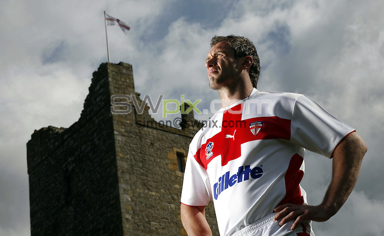 Pix: Ben Duffy/SWpix.com. England Rugby League shirt Launch, Bolton Castle, Leyburn.....16/06/2008...copyright picture>>simon wilkinson>>07811 267 706>>..England Rugby Leagues captain, Jamie Peacock models the new kit on the castle grounds