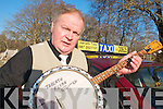 Killarney Taxi driver Jarlath Flynn who is renowned for his banjo playing for tourists.   Copyright Kerry's Eye 2008