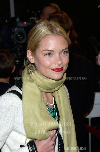 Actress AMY SMART at the world premiere, in Los Angeles, of Saving Silverman..07FEB2001.  © Paul Smith/Featureflash