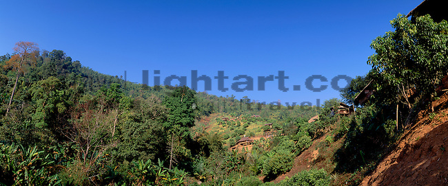 www.travel-lightart.com, ©Paul J. Trummer, Asia, Countries, Country, Geography, Thailand, Asien, Geografie, Länder, Siam, Staat, Staaten, Akha Hill Village near Chiang Rai, forest, forests, landscape, landscape form, landscape forms, landscapes, nature, tree, trees, woods, Baeume, Baum, Bäume, Landschaft, Landschaftsform, Landschaftsformen, Wald, Wälder, Bergwald, Bergwälder, gebirgswald, mountain forest, mountain forests, Natur, Bergdoerfer, Bergdorf, Bergdörfer, Kulturlandschaft, Kulturlandschaften, Ort, Orte, Ortschaft, Weiler, manmade landscape, mountain village, mountain villages, Akha, Akha Village, Chiangrai, Moe Lang, Native, Native People, Tribe, Akha Dorf, Einheimische, Volk