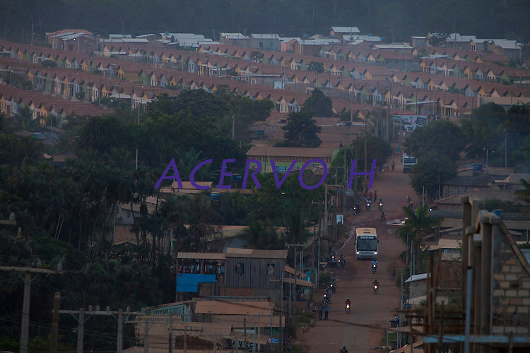 Chegada em Altamira .<br />  Implantação da Unidade Hidrelátrica de Belo Monte e a cidade de Altamira, uma das principais atingidas pela implantação do projeto, <br /> Altamira, Pará, Brasil.<br /> Foto Paulo Santos<br /> 13/11/2013