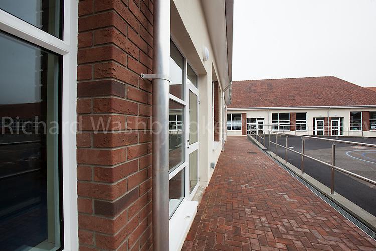 T&B UK Ltd  Chatesworth Primary School, Hounslow  11th April 2013