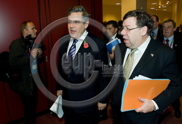 Brussels-Belgium - October 30, 2009 -- European Council, EU-summit under Swedish Presidency; here, Gordon BROWN (le), Prime Minister of the United Kingdom, and Brian COWEN (ri), Prime Minister of Ireland, arriving at the meeting of the second day -- Photo: Horst Wagner / eup-images