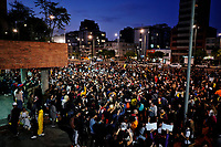 BOGOTA - COLOMBIA, 24-11-2019: Miles de manifestantes salieron a las calles de Bogotá para unirse a la cuarta jornada de paro Nacional en Colombia hoy, 24 de noviembre de 2019. La jornada Nacional es convocada para rechazar el mal gobierno y las decisiones que vulneran los derechos de los Colombianos. / Thousands of protesters took to the streets of Bogota to join the fourth National Strike day in Colombia today, November 24, 2019. The National Strike is convened to reject bad government and decisions that violate the rights of Colombians. Photo: VizzorImage / Diego Cuevas / Cont