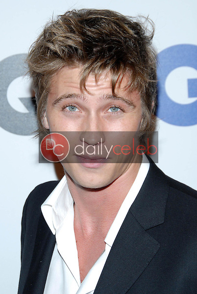 Garrett Hedlund<br />