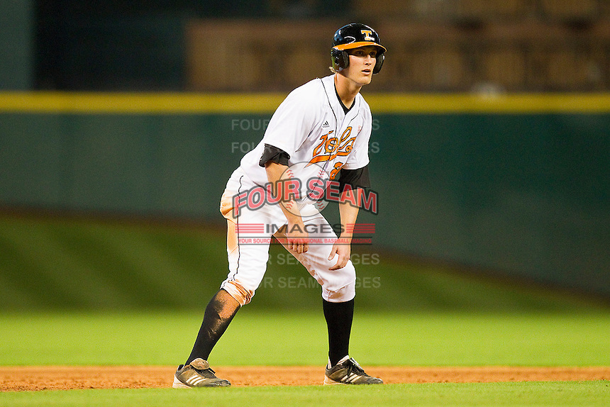 Drew Steckenrider #20 of the Tennessee Volunteers takes his lead off of second base against the Texas Longhorns at Minute Maid Park on March 3, 2012 in Houston, Texas.  The Volunteers defeated the Longhorns 5-4.  (Brian Westerholt/Four Seam Images)