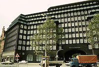 Fritz Hoger: Chilehaus, Hamburg 1923. Ten story office building, brick construction. Photo '87.