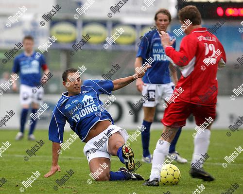 2007-05-13 / Verbr. Geel - Sprimont: Joeri Coomans (Geel)  met een tackle op Delville