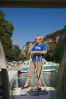Europe/France/Midi-Pyrénées/46/Lot/Saint-Cirq-Lapopie: Navigation fluviale sur la vallée du Lot    Auto N°: 2008-213