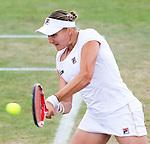 Nederland, Rosmalen, 23 juni 2012.Seizoen 2011/2012.Tennis Unicef open 2012.Urszula Radwanska uit Polen in actie met de bal